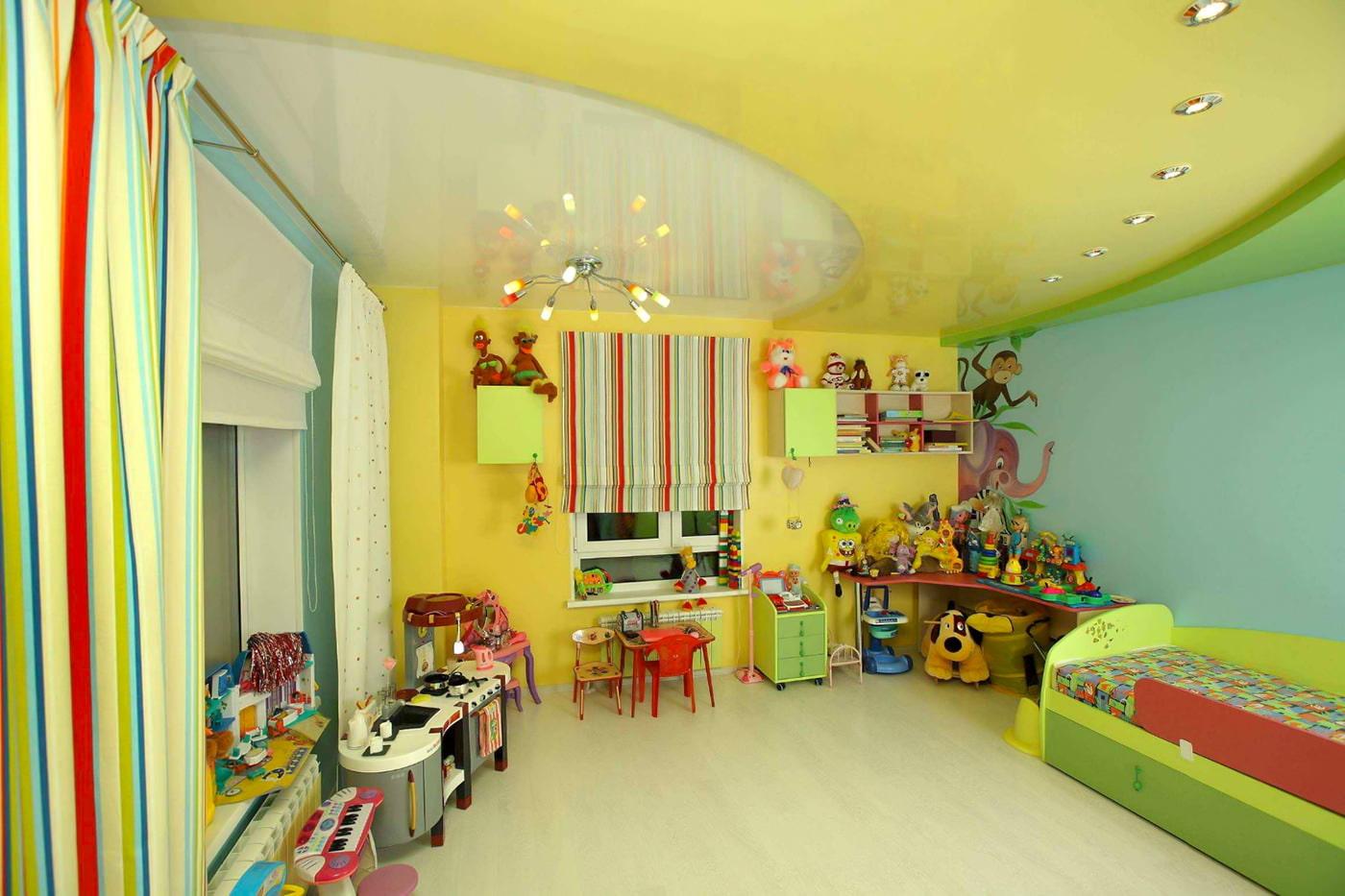 Каким должен быть натяжной потолок в детской