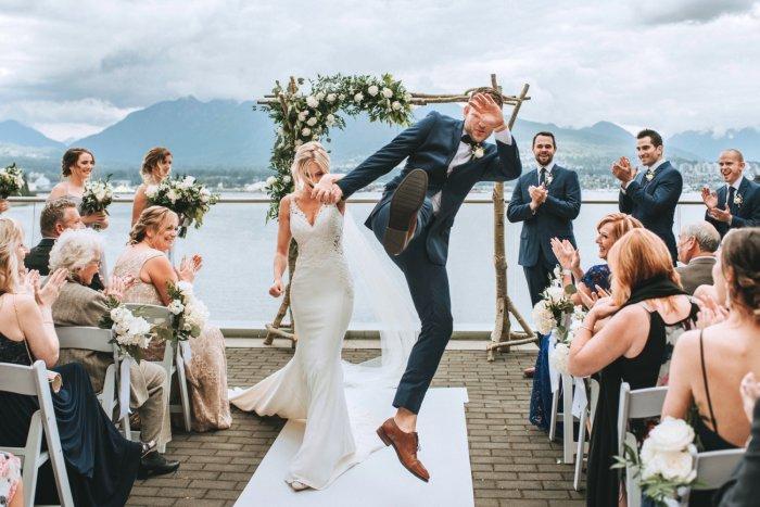 Нельзя заключать брак в високосный год