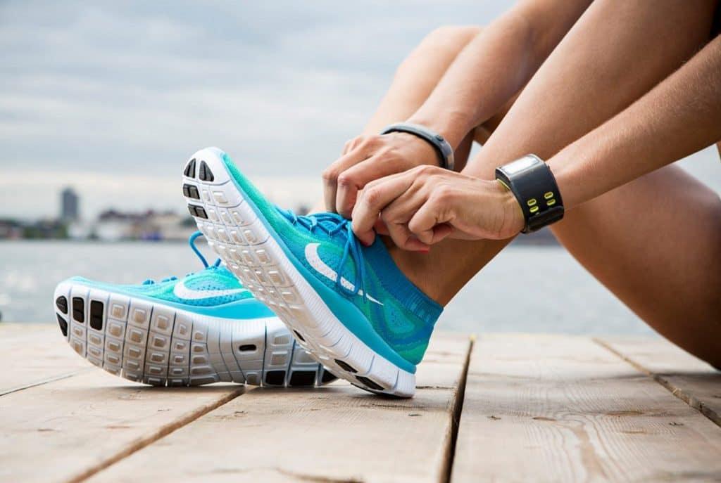 Лучшие кроссовки начинающим бегунам
